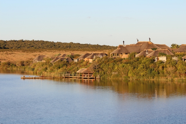 Pumba Water Lodge and Lake Cariega
