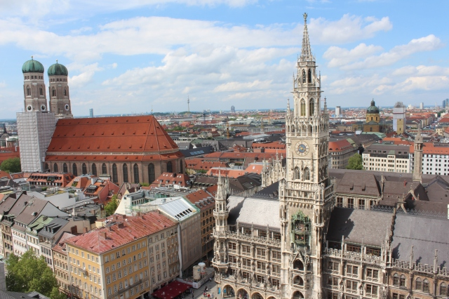 View of the Frauenkirche (left) and Neue Rathaus (right) from St. Peter's Church bell tower