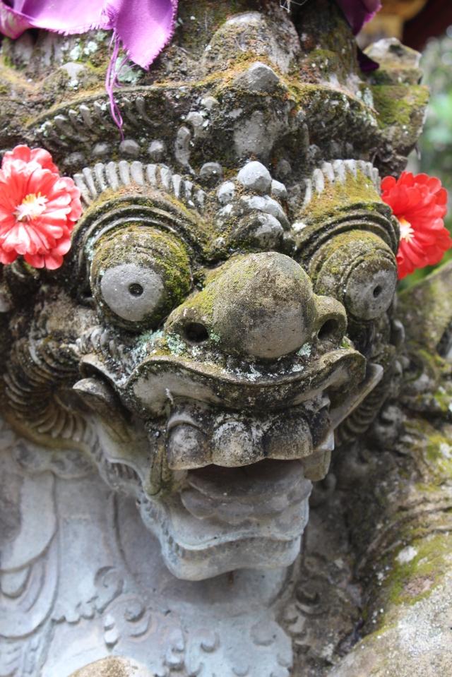 Statue in Puri Saren